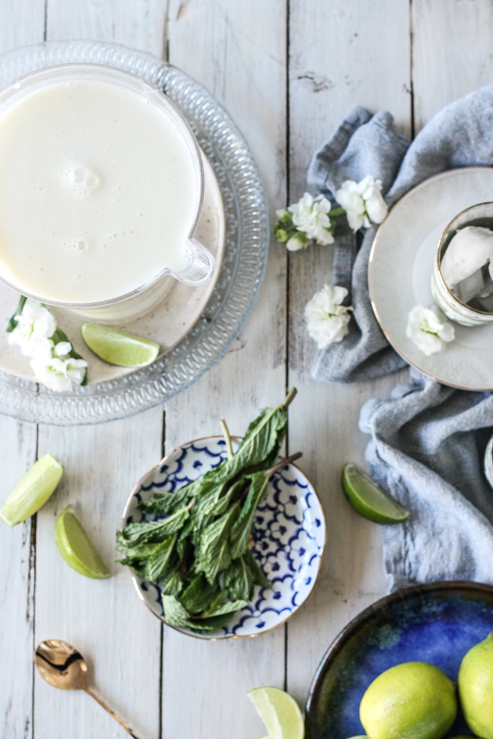 This creamy mint limeade is the perfect zesty mocktail to welcome spring.  Find the super simple recipe on www.pedanticfoodie.com!