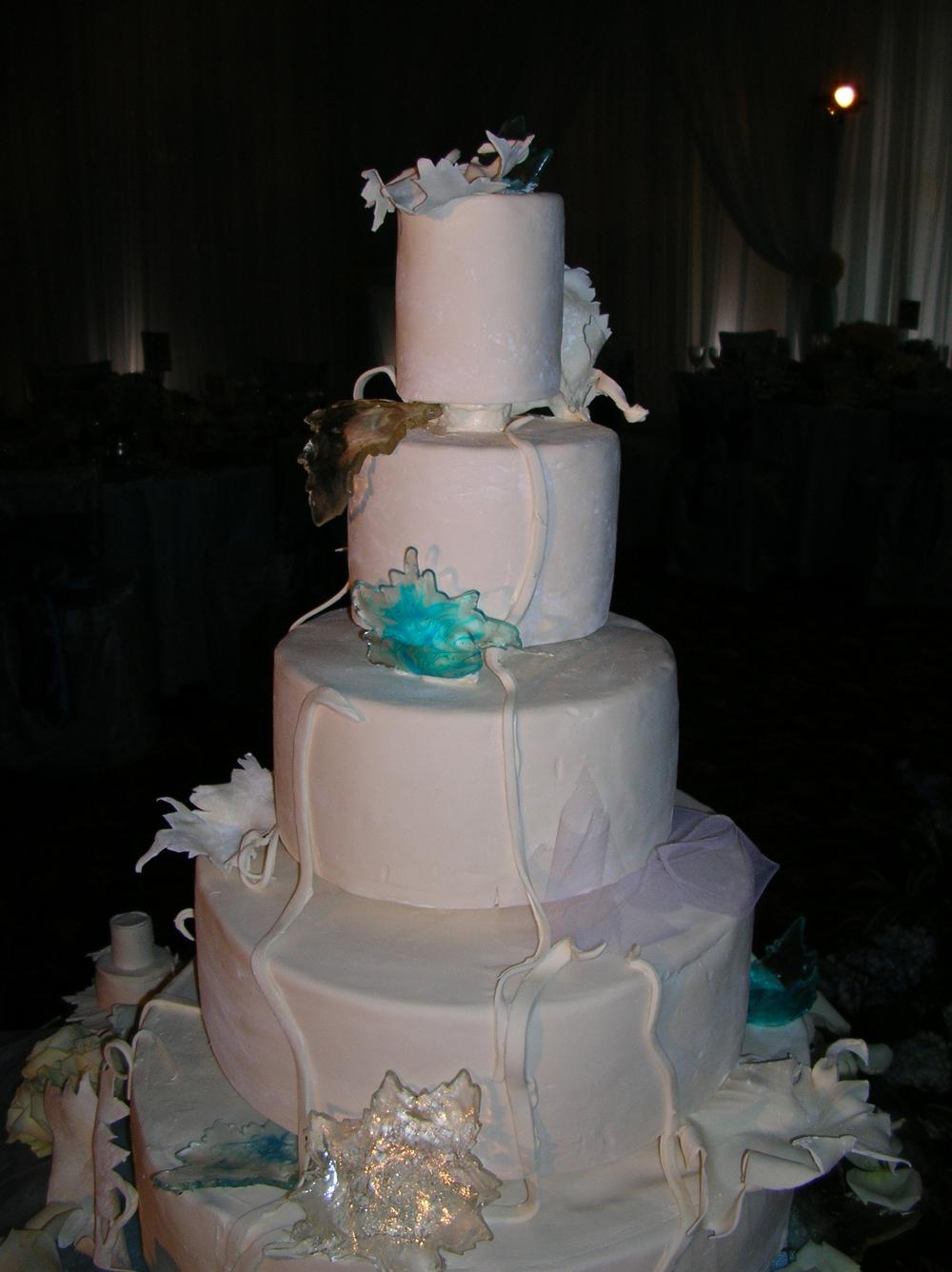 thomas-barlow_cakes_blueleaf.jpg