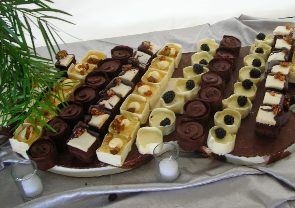 thomas-barlow_cakes_dessertstation.jpg