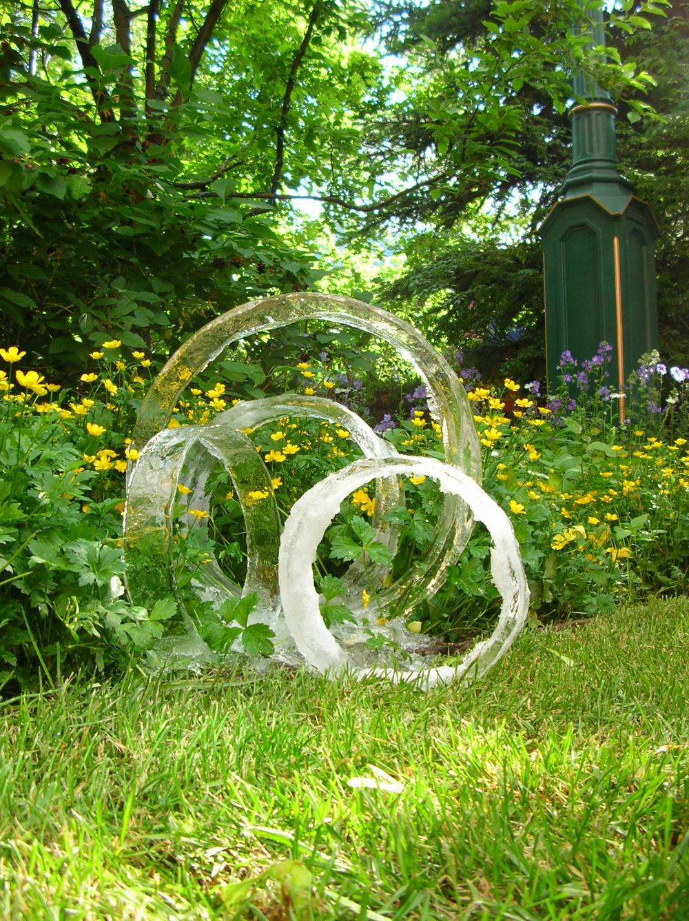 thomas-barlow_ice_grasscircles.jpg