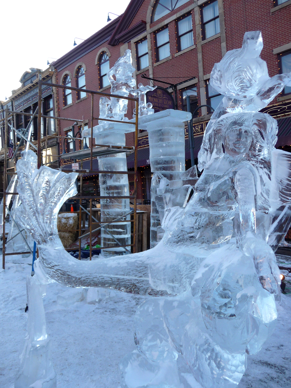 thomas-barlow_ice_mermaids.jpg