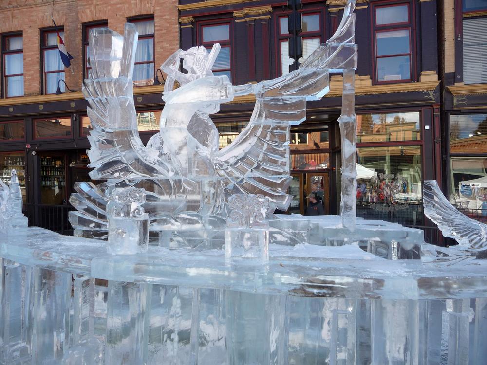 thomas-barlow_snow_wings.jpg