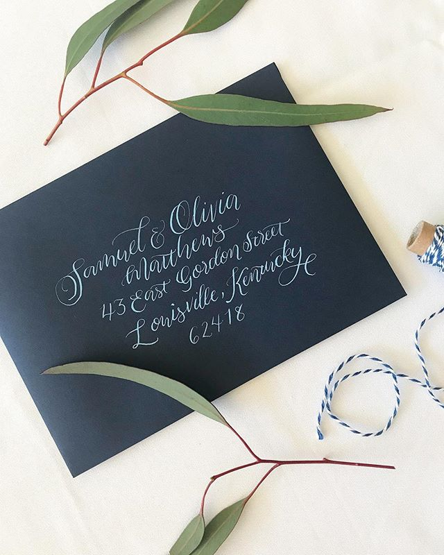 Happy 🌞 day! #modernbride #modernwedding #madisonwisconsin #moderncalligraphy #doorcountywedding #doorcounty #doorcountywisconsin #wisconsinbride #weddingplanning #wisconsinwedding #weddinginspo #calligraphy #sundayfunday