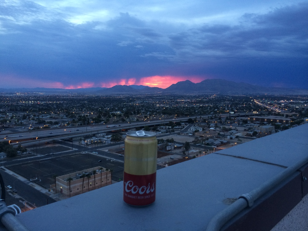 Las Vegas, 7 am. Bill and I crushed it that night until just after breakfast. Sunrise from the roof. Top 5.