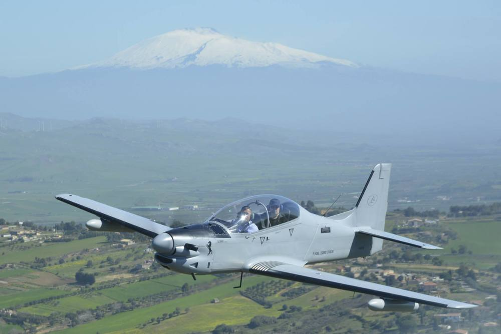 Tucano with Etna.jpg