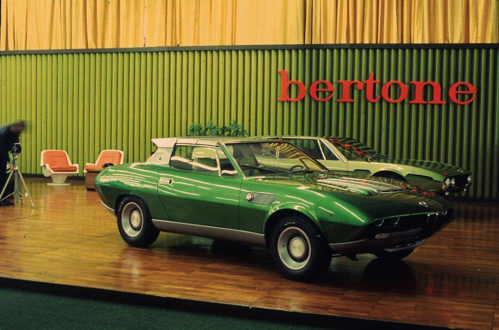1969_Bertone-BMW-2800-Spicup_01.jpg