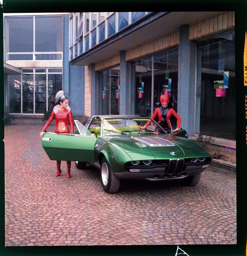 1969_Bertone-BMW-2800-Spicup_10.jpg