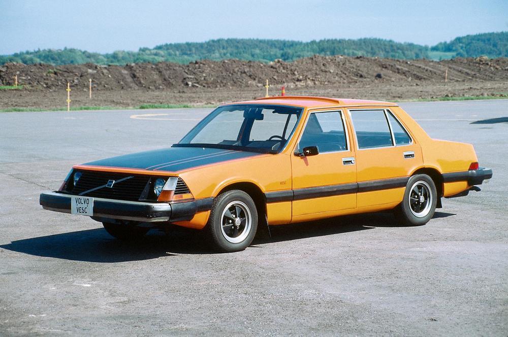 167-volvo-volvo-experimental-safety-car-vesc-1.JPG