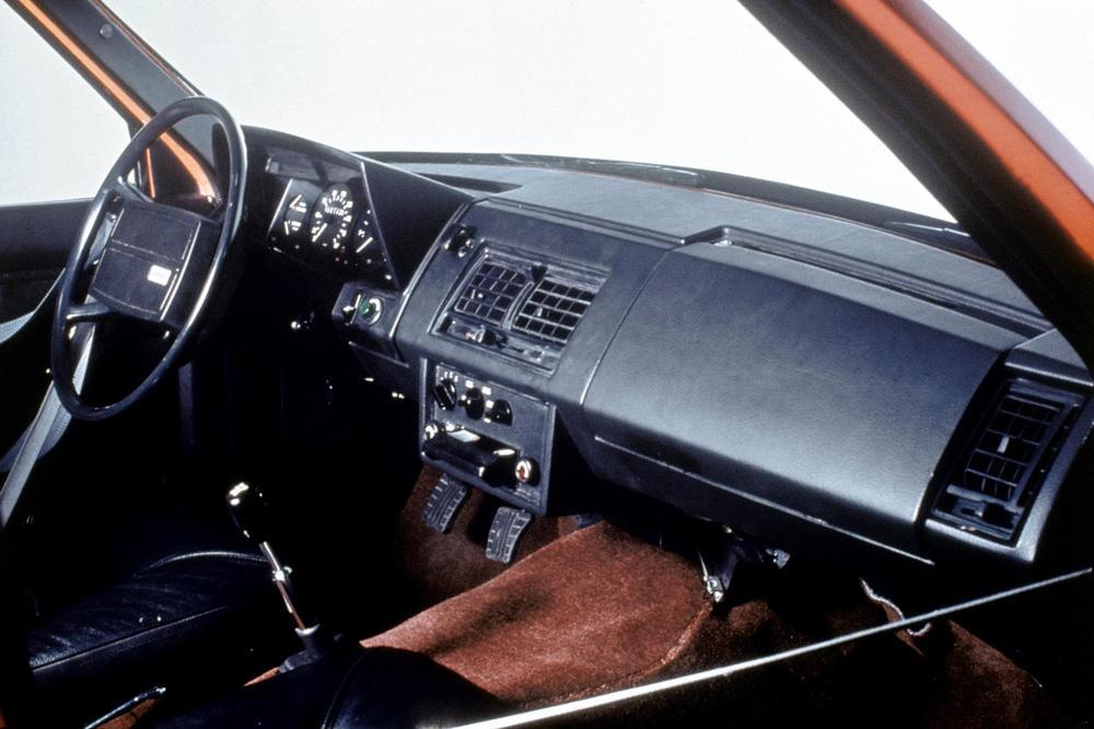 167-volvo-volvo-experimental-safety-car-vesc-11.JPG
