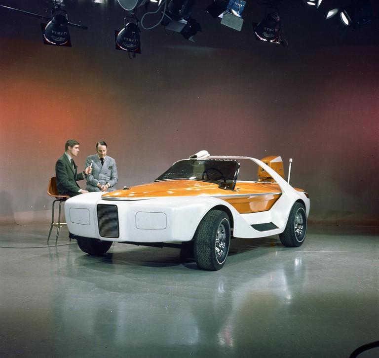 Brooks Stevens Evinrude Lakester show car