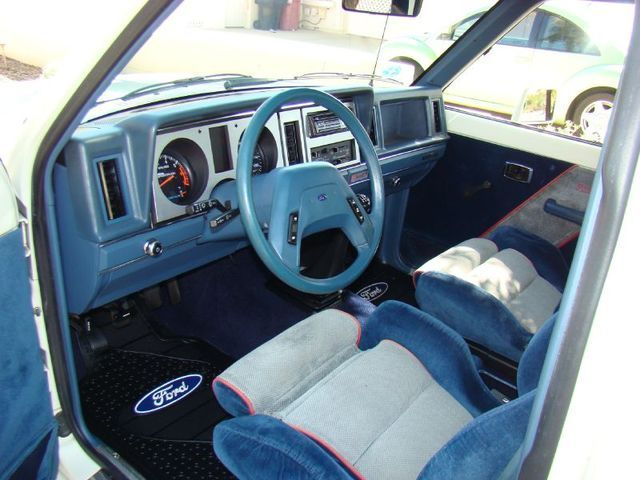saleen-sportruck-interior.jpg