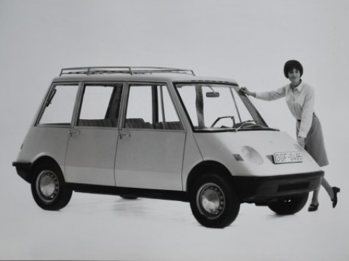 1965_Autonova_Fam_01.jpg