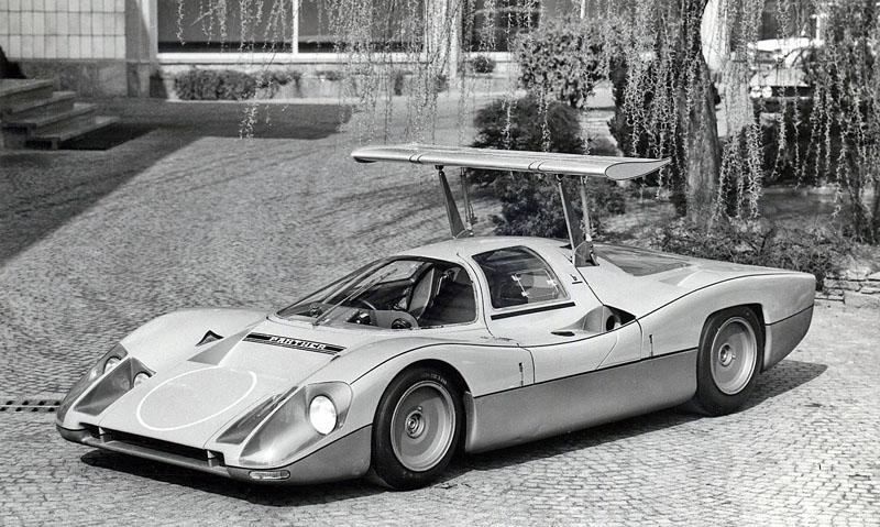 1968_Bertone_Panther_04.jpg