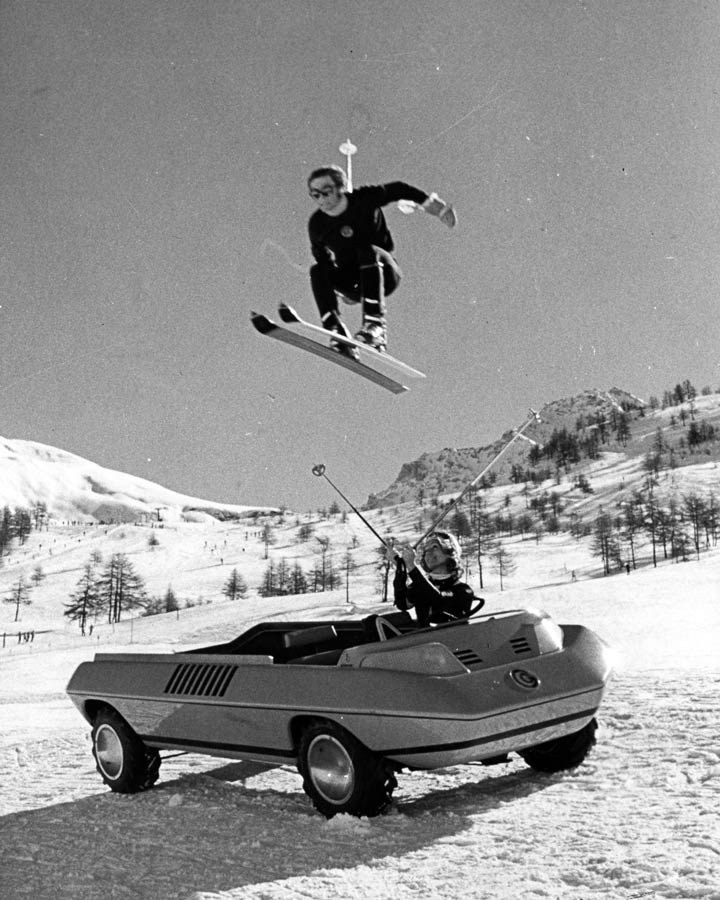 1972_Bertone_Suzuki_Go_08.jpg