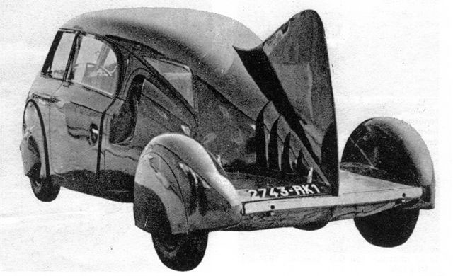 Dubonnet-Dolphin-rear.jpg