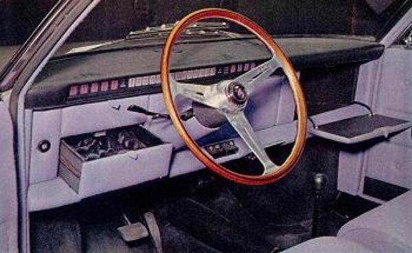 1966_Ghia_Fiat_850_Vanessa_Interior_03.jpg