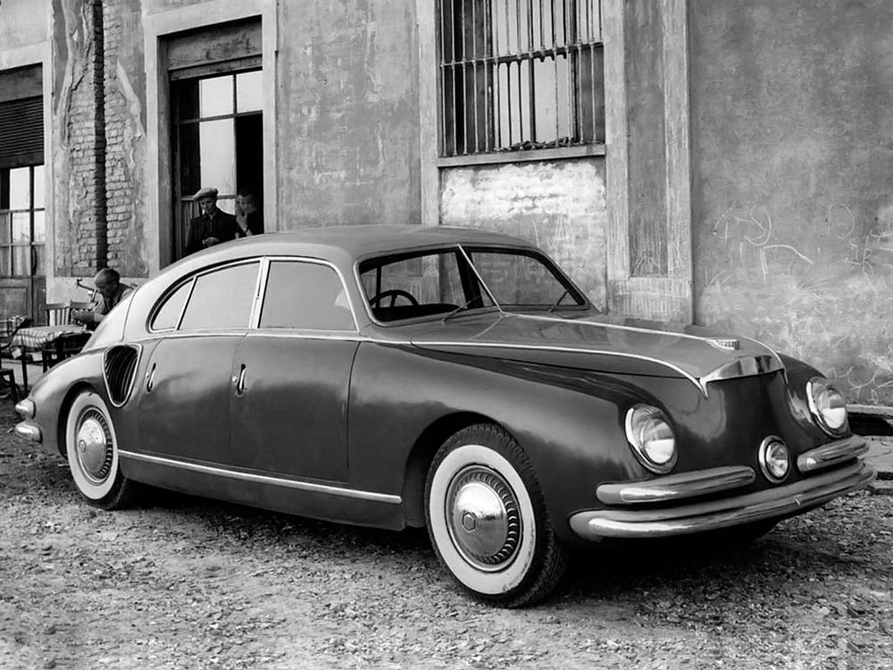 1947_Zagato_Isotta_Fraschini_Tipo_8C_Monterosa_01.jpg