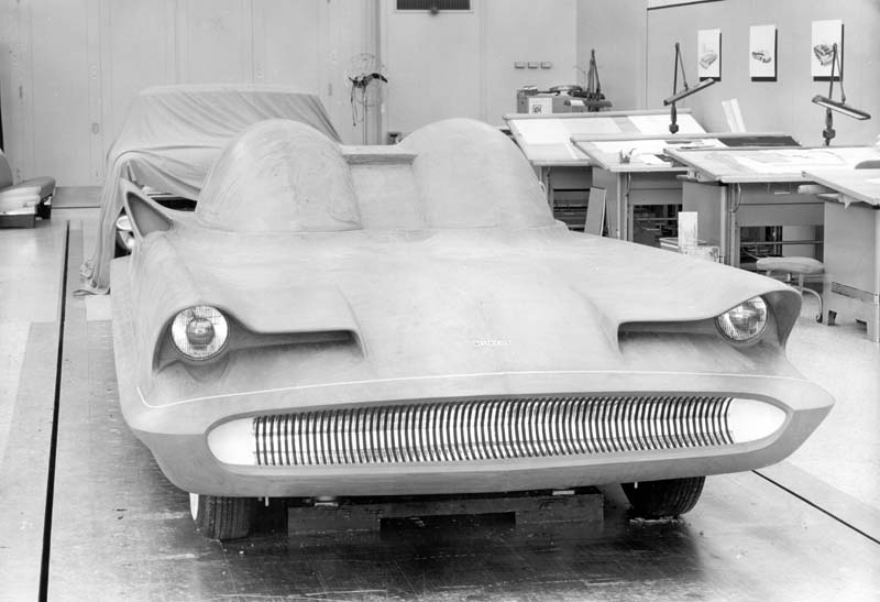 1955_Lincoln_Futura_Design-Process_04.jpg