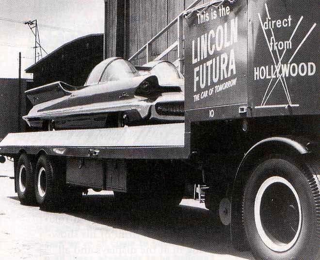1955_Lincoln_Futura_02.jpg