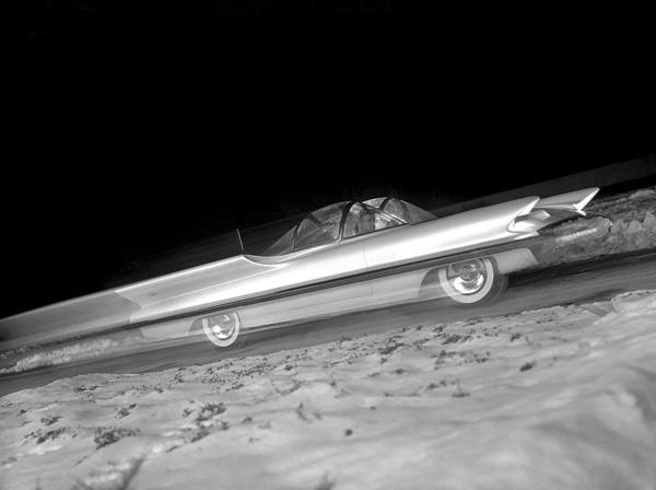 1955_Lincoln_Futura_05.jpg