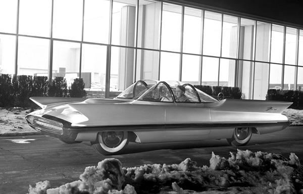 1955_Lincoln_Futura_04.jpg