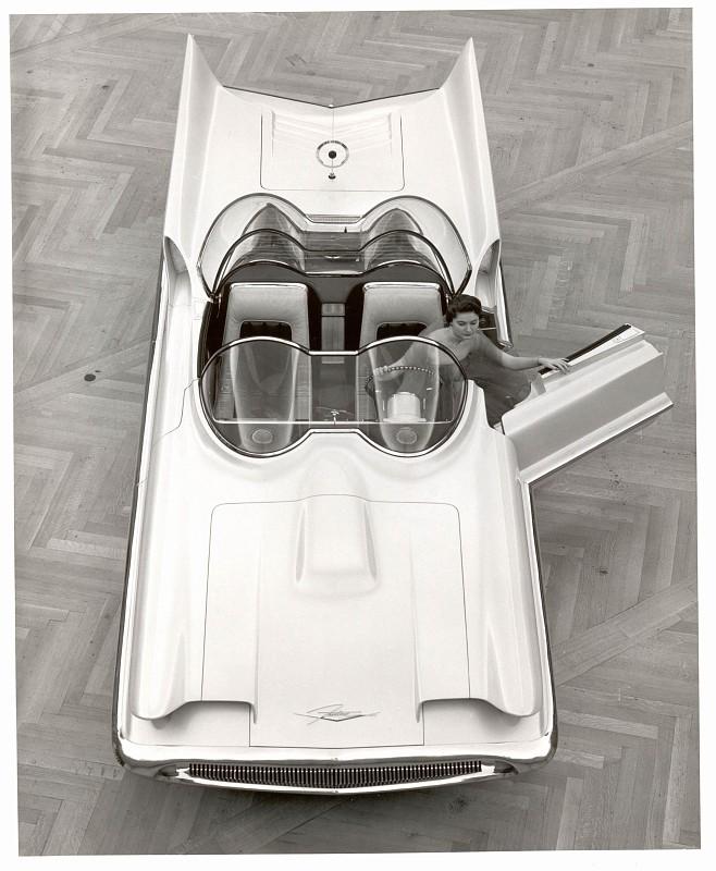 1955_Lincoln_Futura_09.jpg