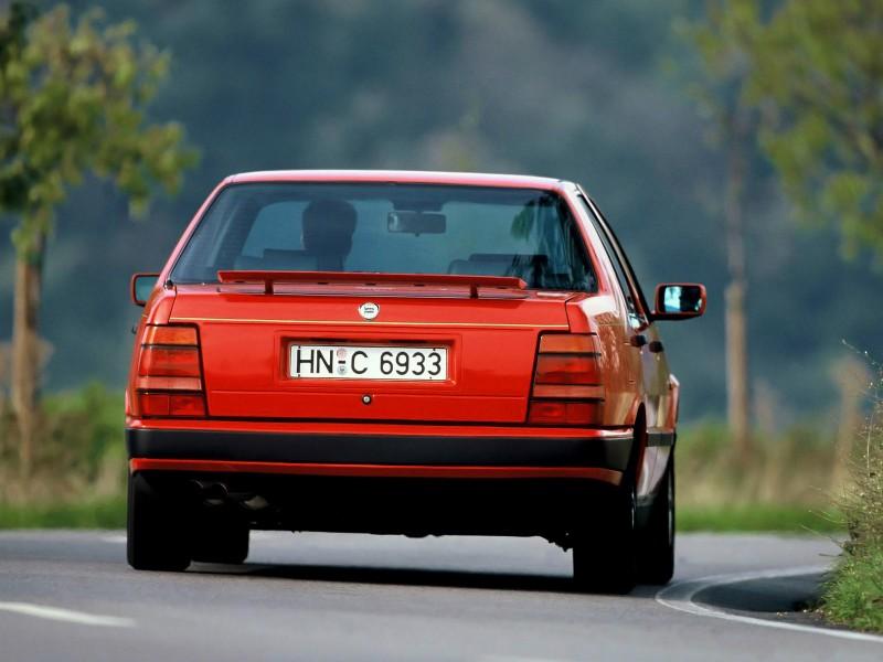 Lancia-Thema-8.32-1988-1992-Photo-05-800x600.jpg