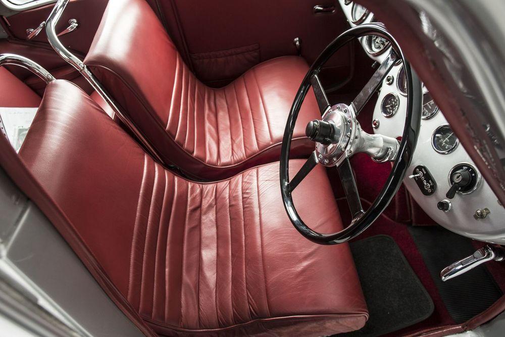 Aston-Martin-Atom-interior.jpg