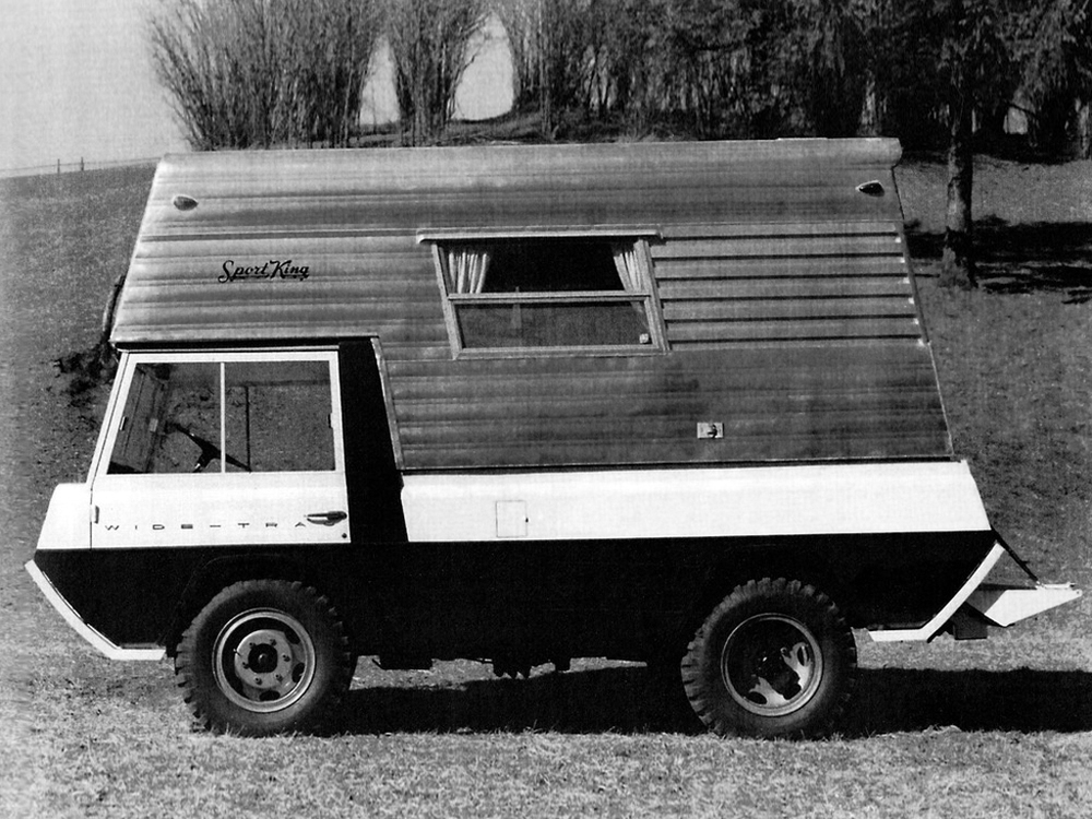 kaiser-willys_jeep_wide-trac_concept_by_crown_coach_4.jpg