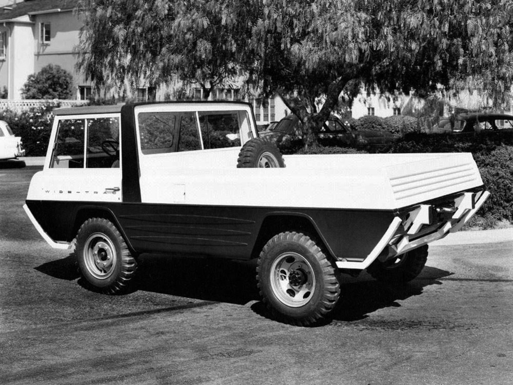 kaiser-willys_jeep_wide-trac_concept_by_crown_coach_3.jpg