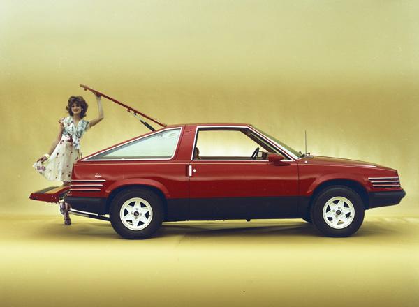 1976_Ghia_Ford_Prima_Concept_Car_Fastback_02.jpg