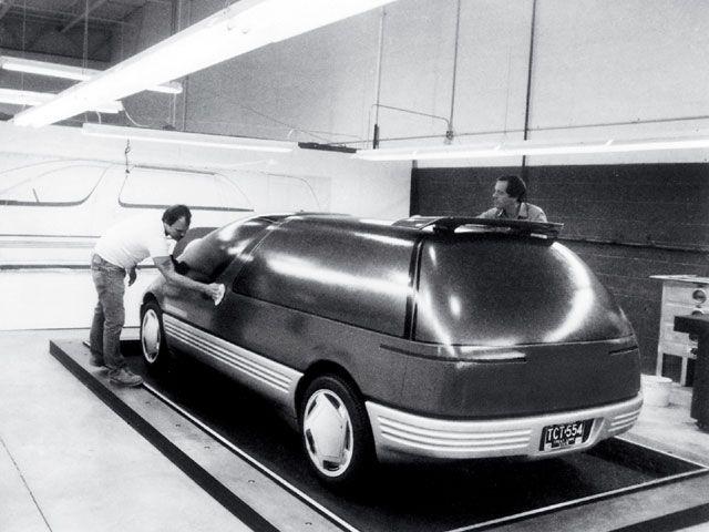 0605_hppp_04z+1986_pontiac_trans_sport+model_back.jpg