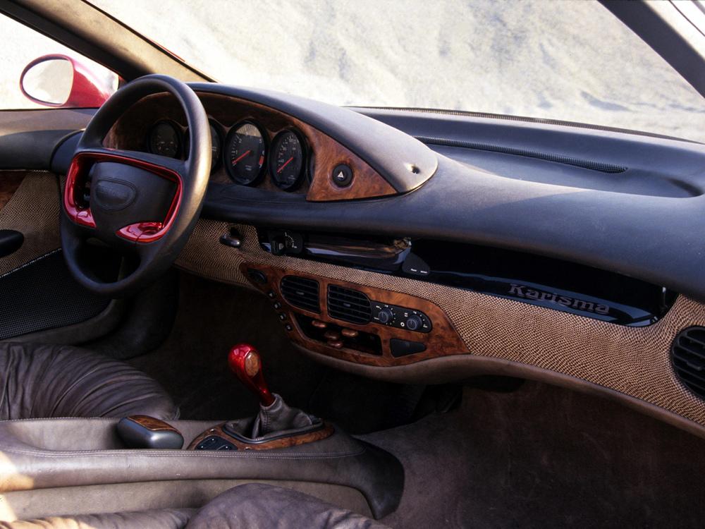 1994_Bertone_Porsche_Karisma_Interior_01_1.jpg