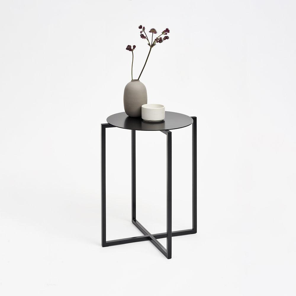 spot-coffee-table-steel-black-high-Moskou-3.jpg