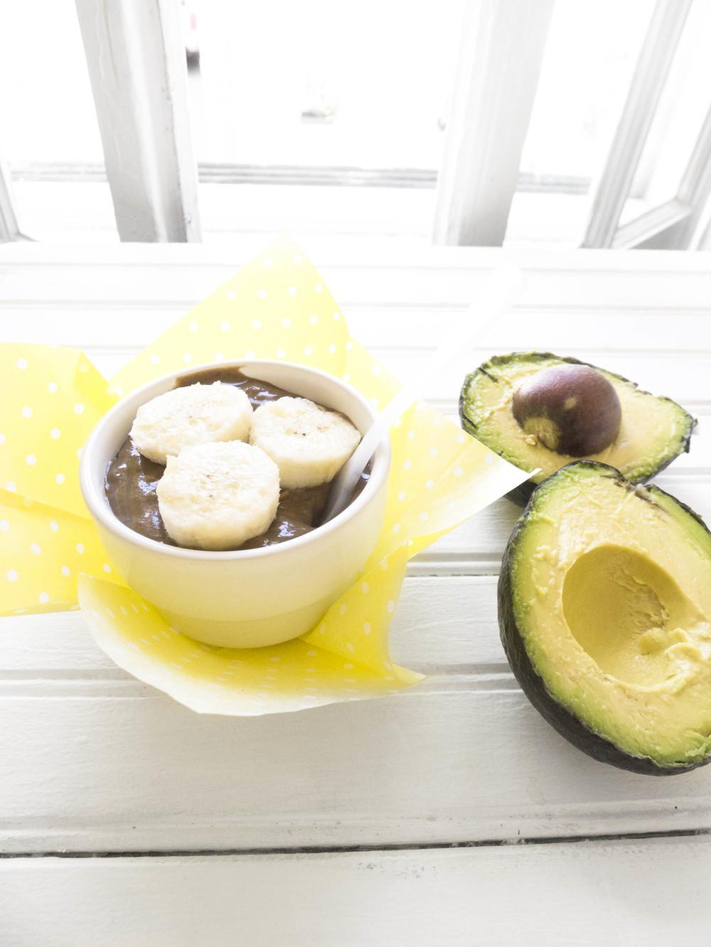 healthy_chocolate_peanutbutter_avocado_pudding.jpg