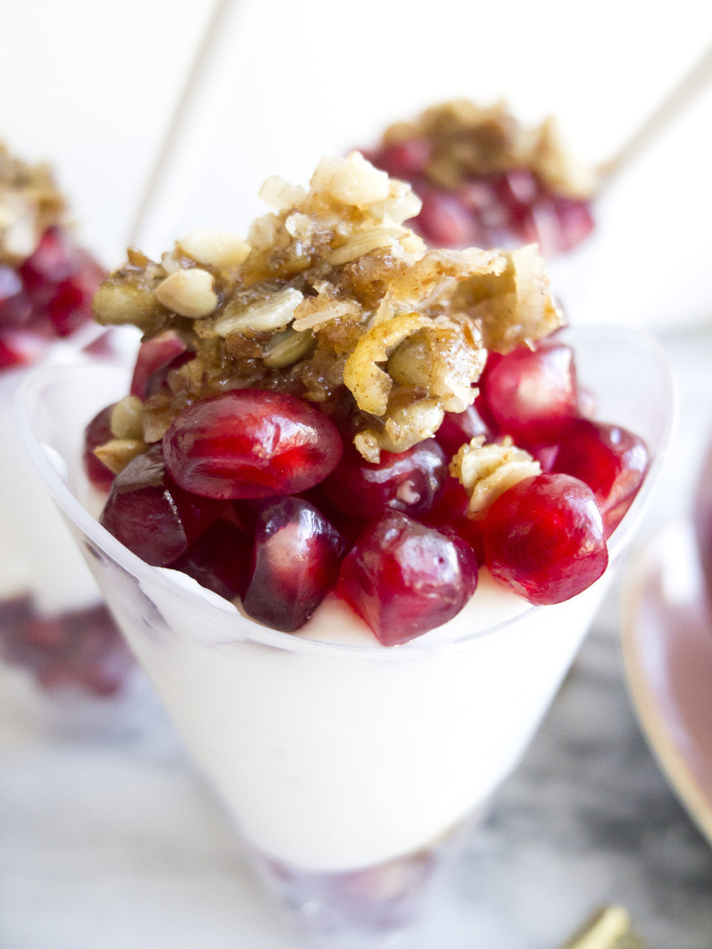 healthy party pomegranate greek yogurt parfaits