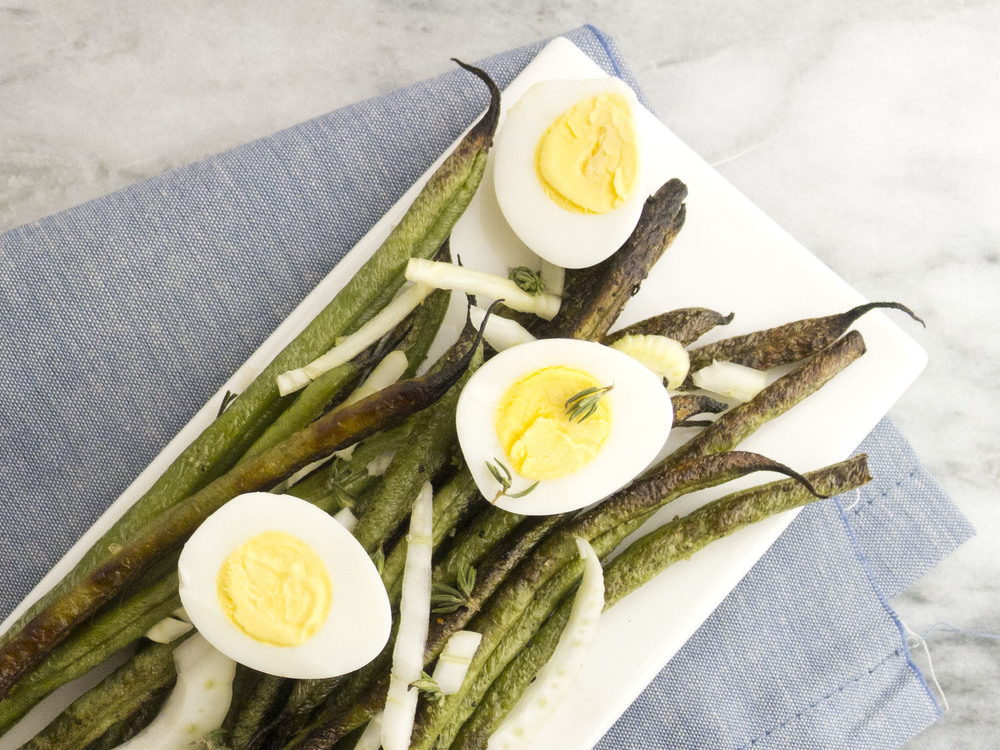 Spring salad: roasted haricot verts with fennel and quail eggs