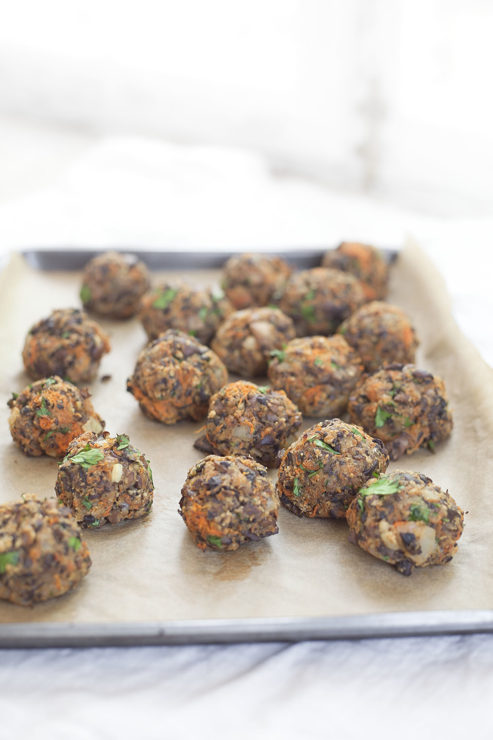 Healthy Hostess: Vegetarian Mushroom Meatballs