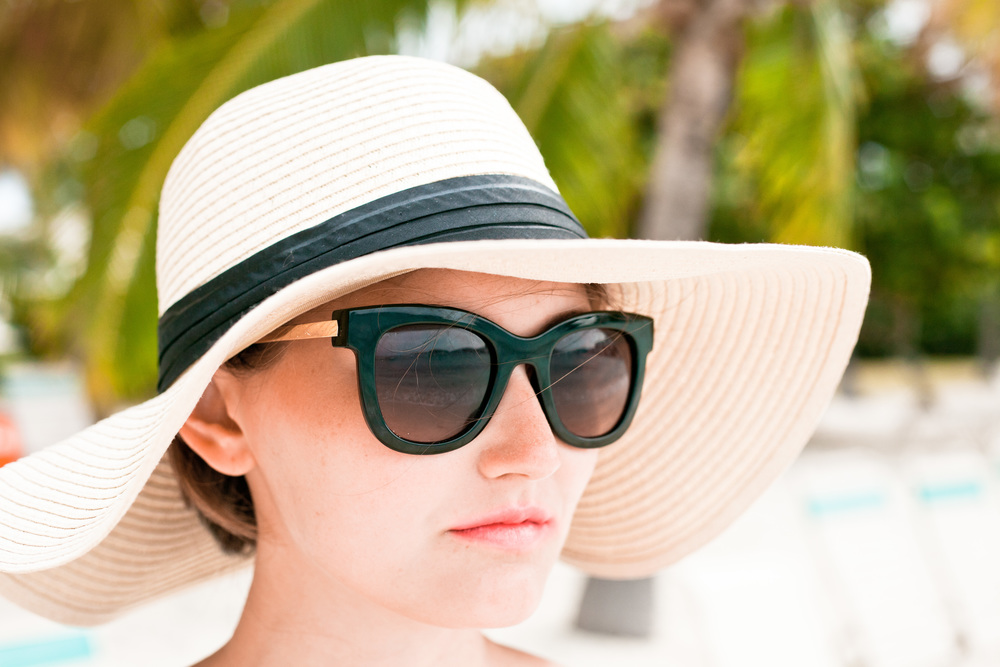 black and white classic beach sun hat