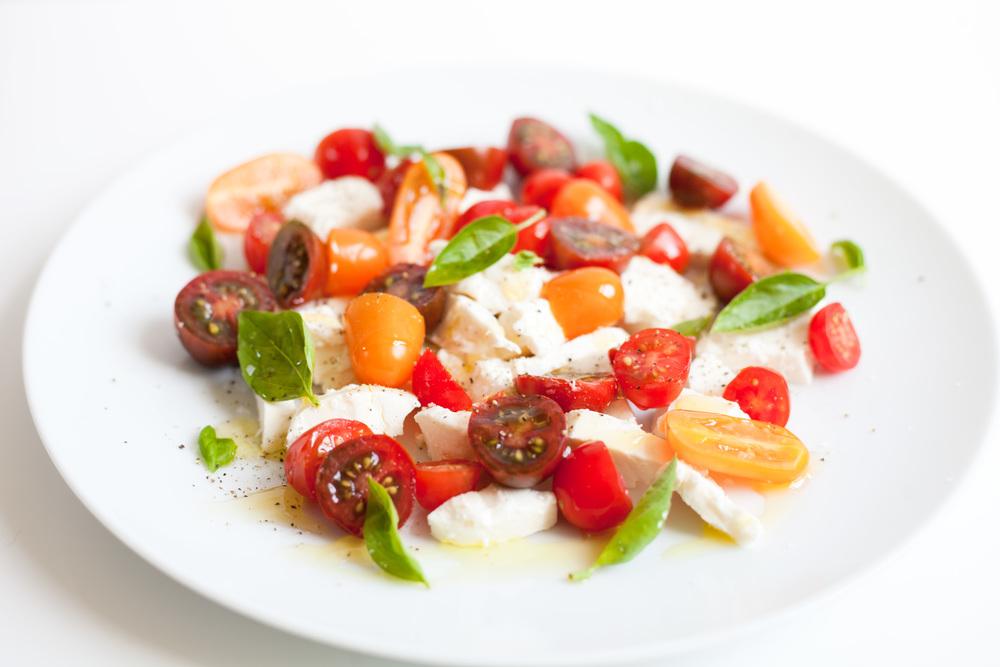 Simple Southern Summer Tomato Mozzarella Salad