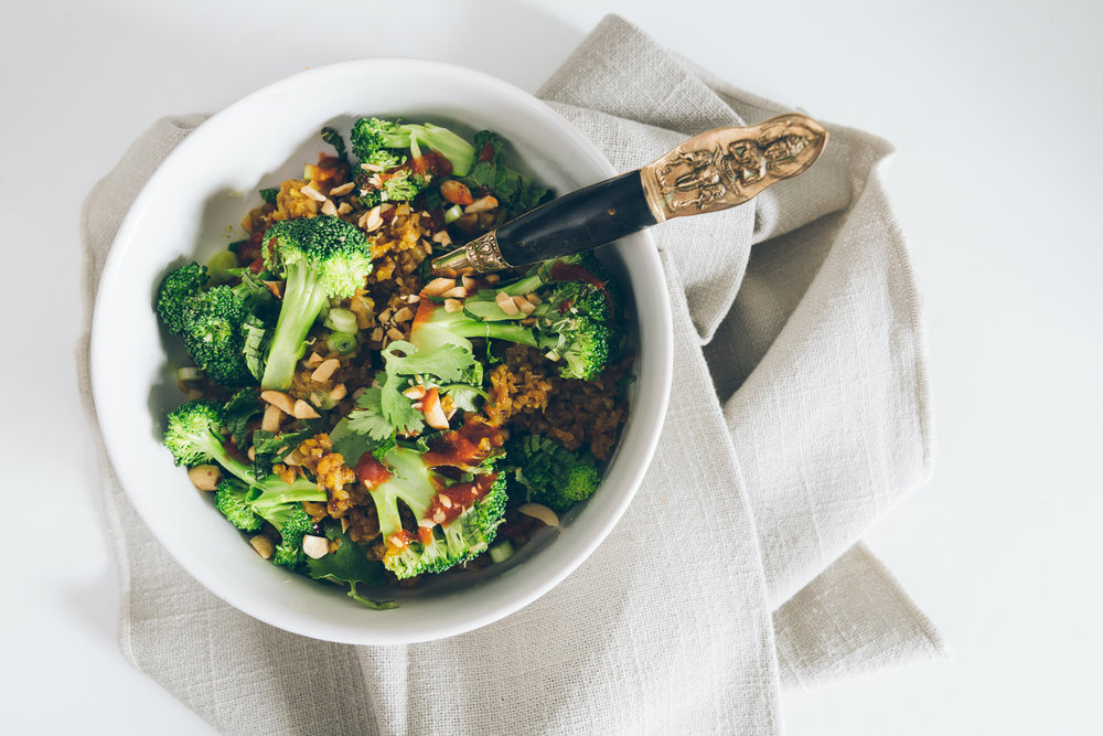 Unilever Hellmann's® Vegetarian Cauliflower Fried Rice Bowl with Turmeric Dressing
