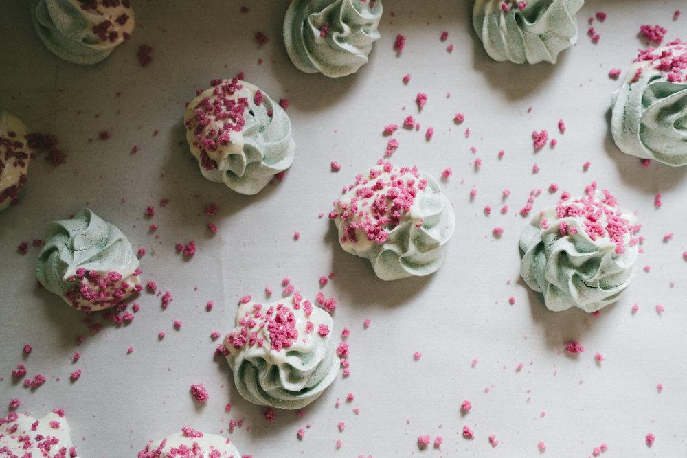 gluten free dessert spirulina meringue with rose sugar