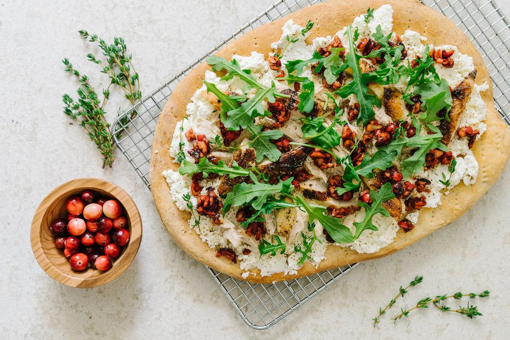 FRESH CRANBERRY BALSAMIC WHITE PIZZA - #FRESHCRANFRIDAY