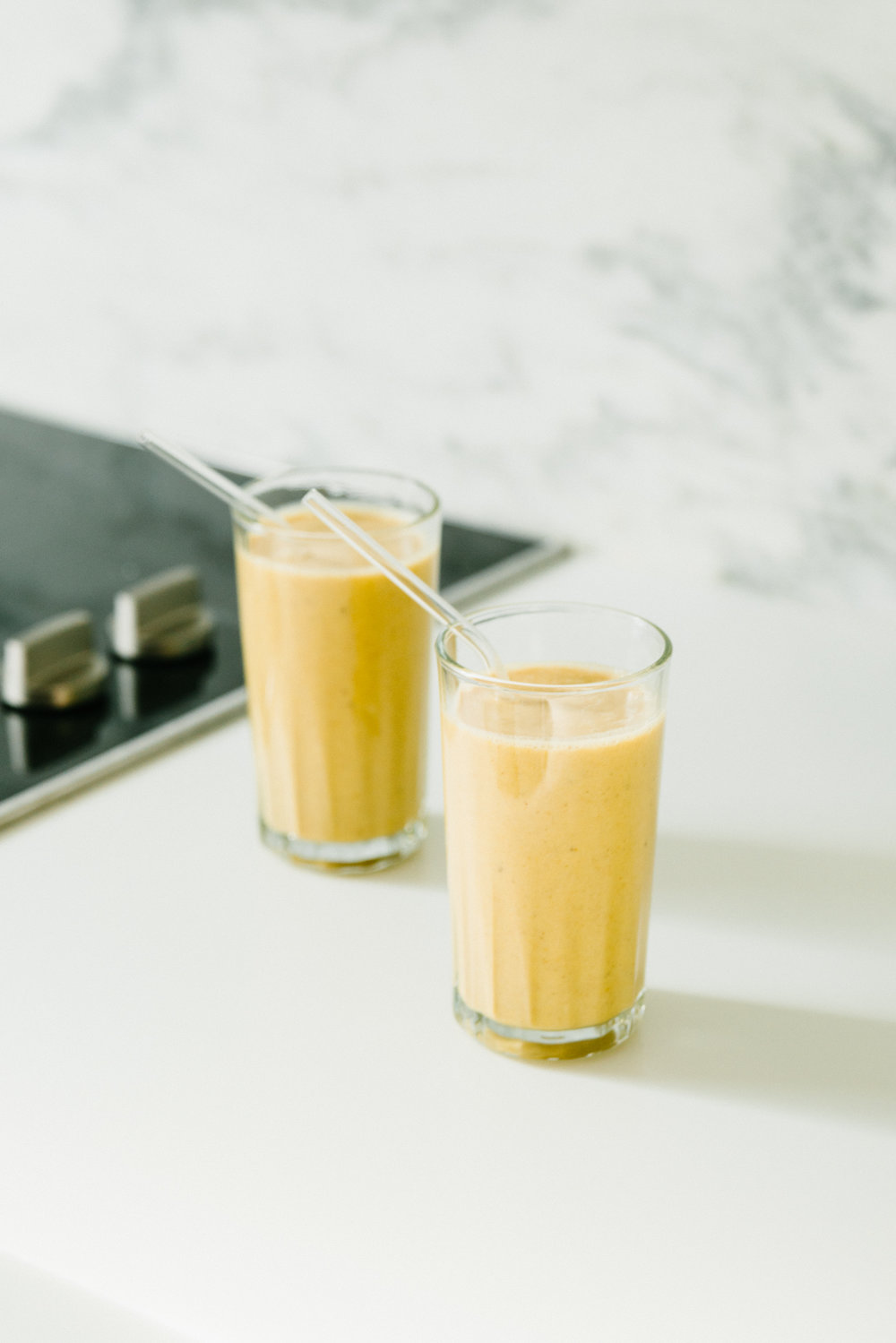 GOLDEN MILK TURMERIC SMOOTHIE