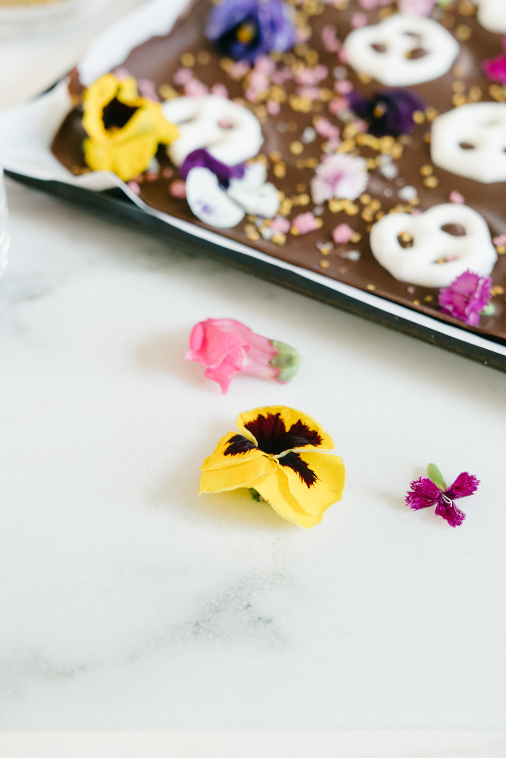 adaptogen spring chocolate bark with bee pollen