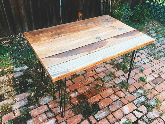 New reclaimed wood hairpin leg table 🍽 #localtimber #furniture #reclaimed #wood #rustic #custom #reclaimedwood #upcycle #design #interior #interiordesign #handmade #madeinusa #homedecor #home #buyfolk #vsco #style #livefolk #liveauthentic #art #local #losangeles #succulents #livingart #dstexture #vintage #california #shopsmall #etsy