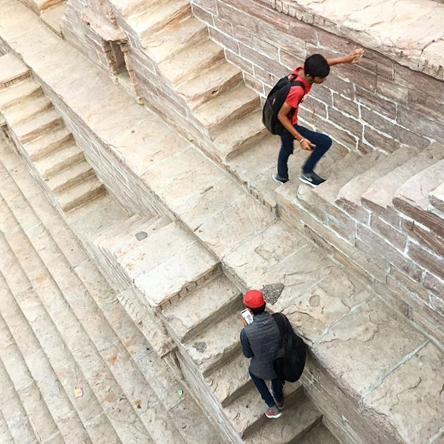chronicles of #india : climbing the step well