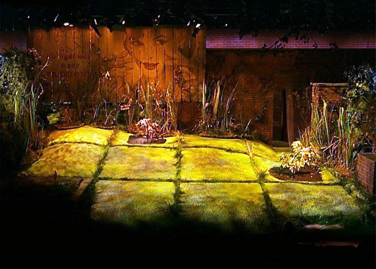 scenic design : Louisa Thompson  photo credit :  Ken Huth