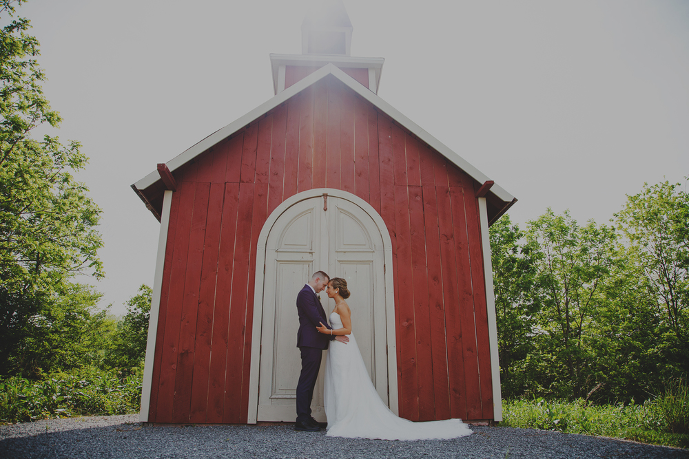 Wedding photography at Hayloft on the Arch in Verona, NY.