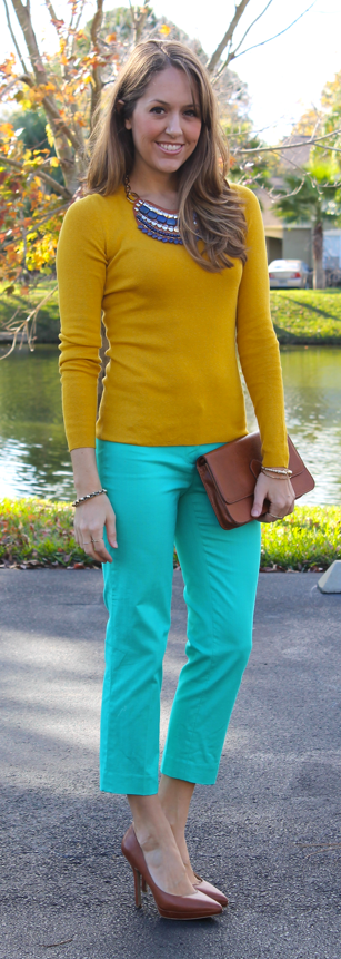 mustard-sweater-outfit.png
